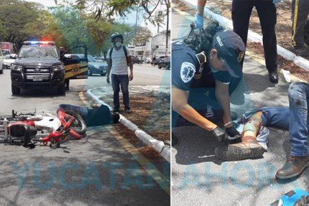 Atropella a un motociclista en la avenida Itzaes y huye