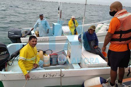 Rescatan a pescadores reportados como desaparecidos en Chicxulub Puerto
