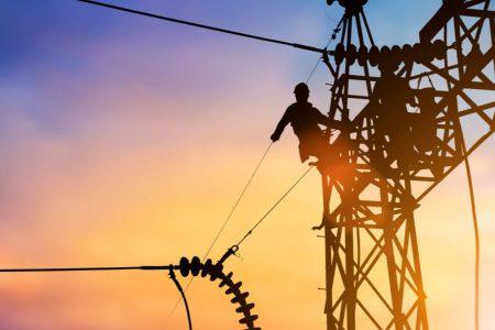 Se defenderá en tribunales el sector eléctrico: AMLO