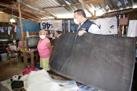 Renán Barrera recorre la zona de Mérida más afectada por la tormenta Cristóbal