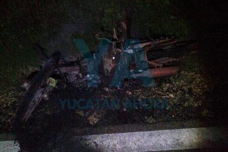 Se incendia su motocicleta y la abandona