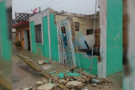 Por la fuerte lluvia, se derrumba una casa en Progreso