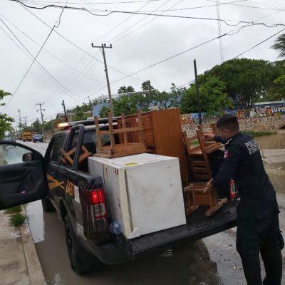 Agentes de la SSP auxilian a familias de Chicxulub y Mérida
