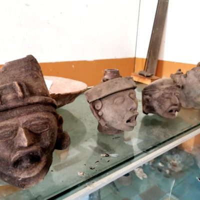 Pobladores de Yucatán entregan al INAH 212 piezas arqueológicas