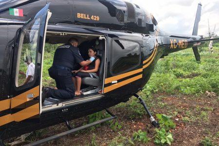 Rescatan en comunidad maya damnificada a mujer próxima a dar a luz