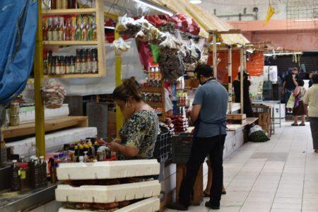 Mercados Lucas de Gálvez y San Benito ya están en la fase 3 de su reapertura