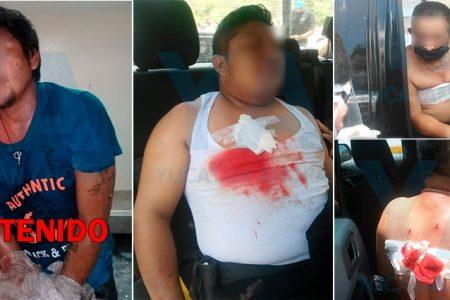 Violento sujeto escandaliza en su casa y acuchilla a dos policías municipales