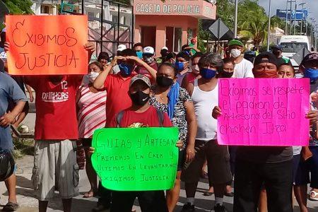 Se mantiene el bloqueo de la carretera Mérida-Cancún