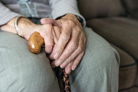 Encuentran muerto a un abuelito de 70 años, en una vecindad de la Delio Moreno