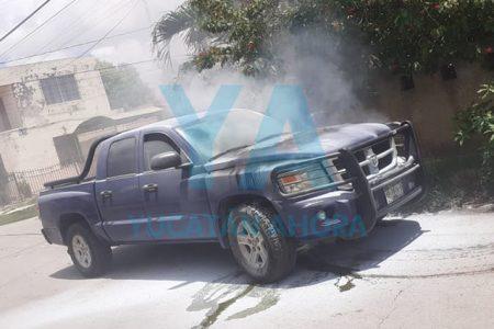 Se incendia su camioneta por un cortocircuito