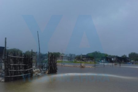 Inician traslado de yucatecos a refugios temporales ante el inminente paso de Cristóbal