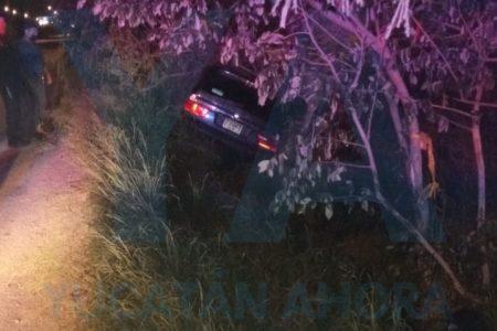 Choca su auto en Periférico… y pega la vuelta sin dejar rastro
