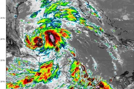Pronostican hasta nueve huracanes en el Atlántico