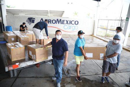 Llega a Yucatán más de una tonelada de donativos que envía la Ciudad de México