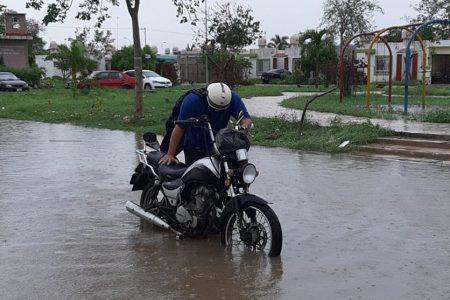Reportan noche con mal olor en Mérida; lo atribuyen a lluvias de Cristóbal