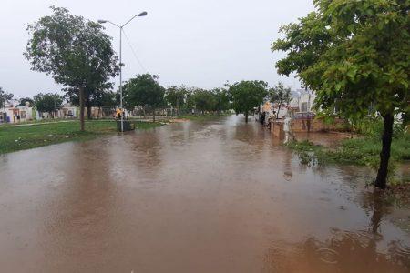 En 15 horas han desaguado 560 mil litros de aguas pluviales en Mérida