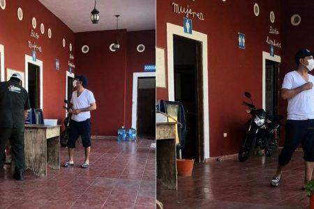 """Sorprenden a Mauricio Vila en chancletas y con los pies """"chuchules"""" de bogar agua"""