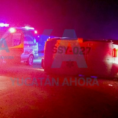 Tras cansada jornada con pacientes Covid, vuelca ambulancia de la SSY: chofer dormitó