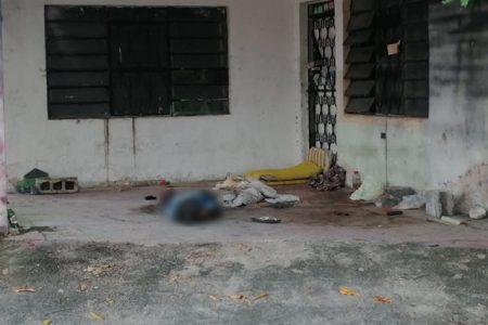 Fallece un indigente en un predio abandonado de Chuburná