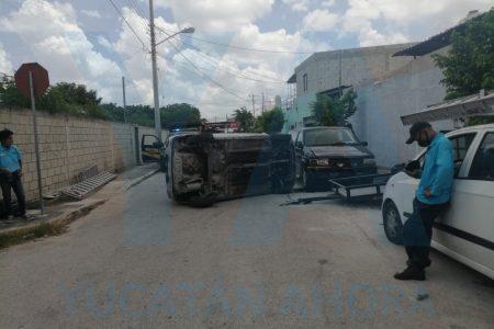 A la velocidad del internet, hace chuza con cuatro vehículos en Chuburná