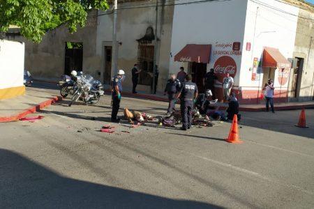 Ambos conductores vieron verde en calles del centro de Mérida: dos lesionados
