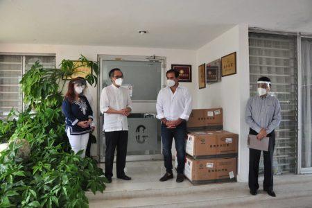 Asociación China Península de Yucatán dona 12 mil cubrebocas a Progreso