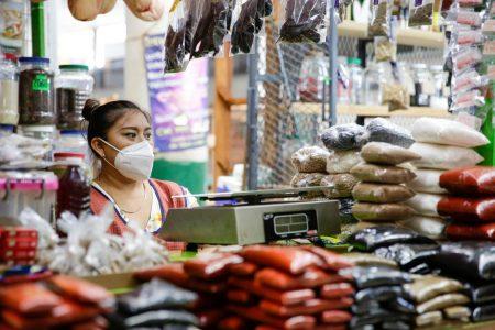 Locatarios de mercados de Mérida entran al mundo digital con 'Mi mercado móvil'