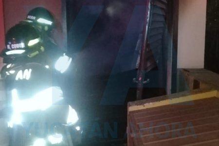 Se quema bodega del restaurante Pollo Brujo de la avenida Itzaes