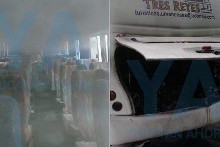 Se incendia autobús de transporte de personal
