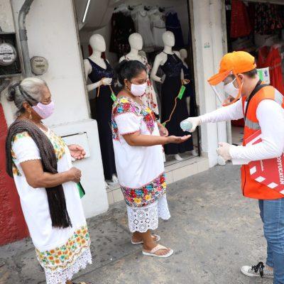 'Amigos de la Salud' cuidan a la gente del Covid-19, en calles del centro meridano