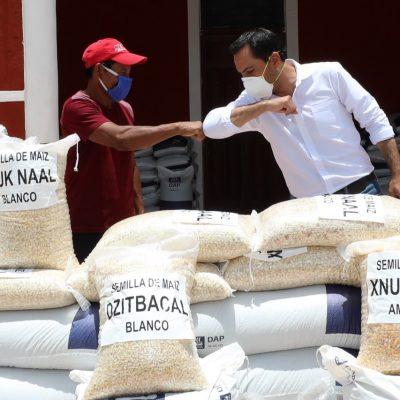 Mauricio Vila Dosal continúa apoyando las actividades del campo yucateco