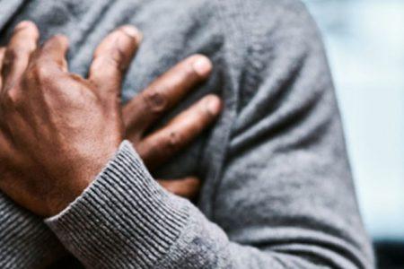 Por infarto, fallecen dos hombres con enfermedades, de 47 y 78 años