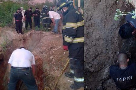 Derrumbe en zanja: quedan atrapados dos empleados de la Japay