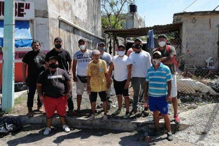 Vecinos se organizan para construirle una casa a don José, el indigente al que le dieron comida para perro