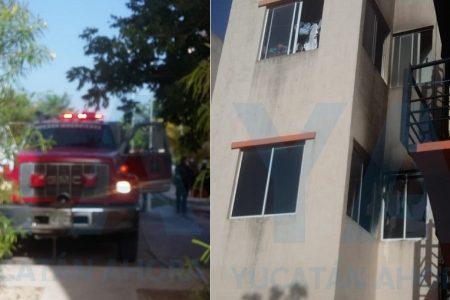 Joven embarazada y su hija saltan de un departamento en llamas, en San Marcos Ciudad Sustentable