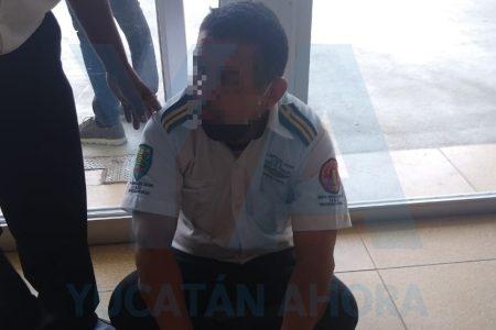 Sujeto golpea a vigilante de la Macroplaza porque le pidió que cumpla las medidas sanitarias