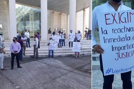 Abogados protestan para pedir la reapertura de juzgados en Yucatán