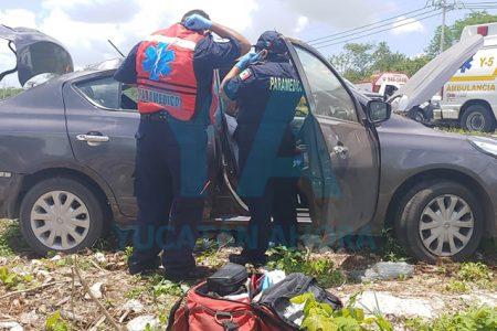 Se accidenta un auto con tres adultos y un bebé de nueve meses