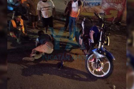 Lo atropella una motocicleta por cruzar sin precaución