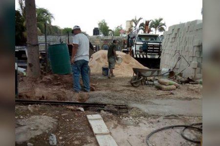 Denuncian a un vecino por apoderarse de predios con fosas sépticas en Chuburná