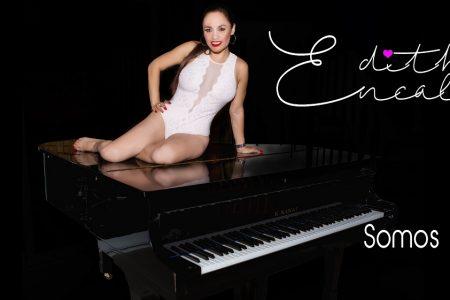 Edith Encalada en sexy lencería presenta su nuevo sencillo 'Somos novio'