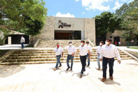 Mauricio Vila supervisa obras del zoológico La Reina de Tizimín
