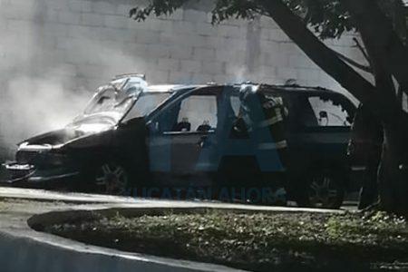 Se quema una camioneta cerca de la Gran Plaza