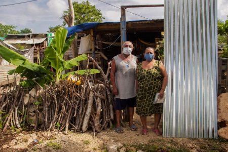 Familias del sur meridano reciben apoyos para mejorar sus casas y cuidar su salud
