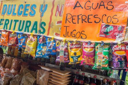 Morena propondrá prohibir venta de refrescos y botanas a menores, en todo México