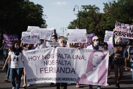 Marchan contra los feminicidios en Yucatán