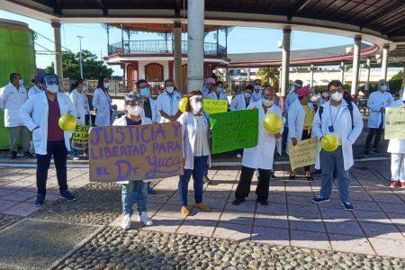 Liberan al doctor Grajales Yuca: enfrentará su proceso bajo resguardo domiciliario