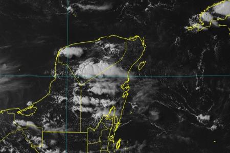 Se aproxima la onda tropical 27 a la península de Yucatán