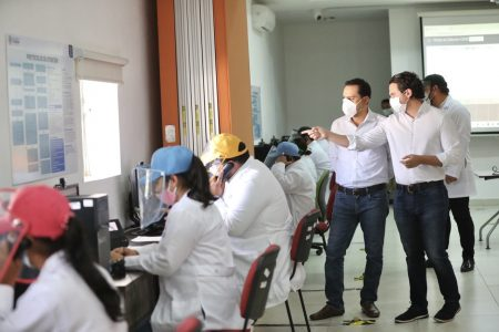 Supervisa Mauricio Vila el Centro de Atención Telefónica Covid-19