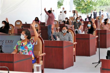 Comerciantes piden que el gobernador de Oaxaca vete ley que prohíbe venta de comida calórica a menores